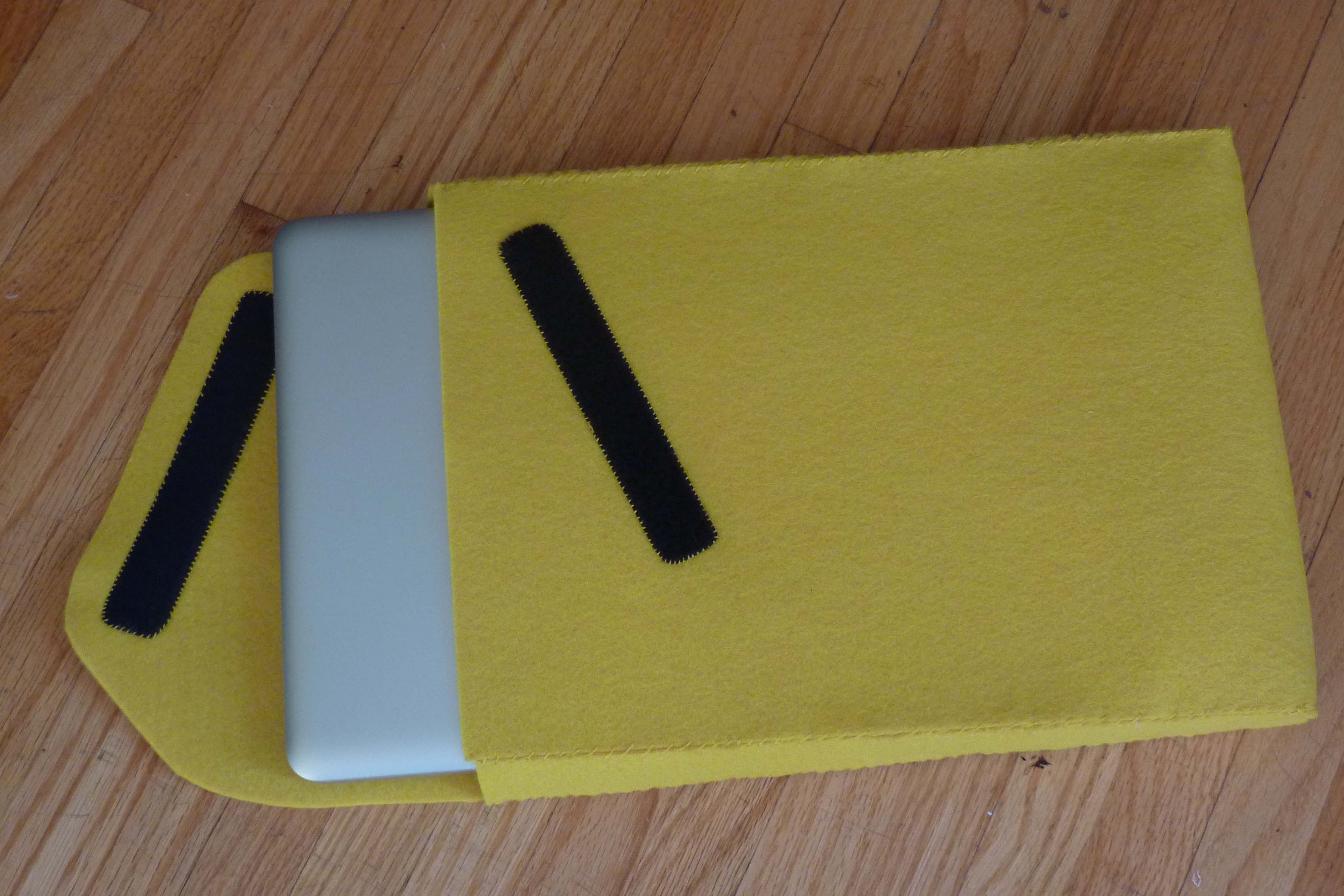 new product d8be8 6ace8 DIY Macbook Pro Laptop Sleeve | Craft Collective